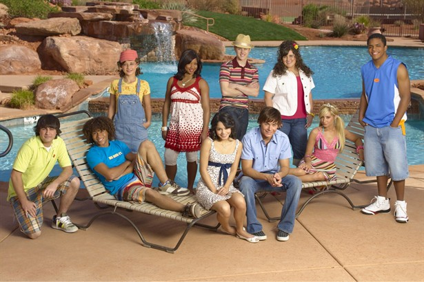 Ashley Tisdale,Bart Johnson,Corbin Bleu,Lucas Grabeel,Monique Coleman,Olesya Rulin,Vanessa Hudgens,Zac Efron
