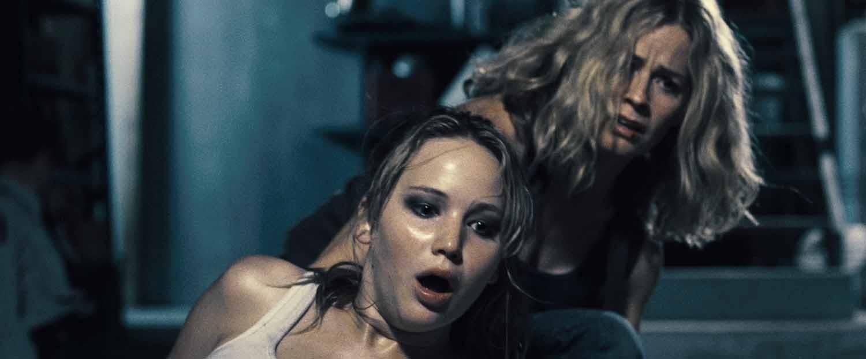 Elisabeth Shue,Jennifer Lawrence