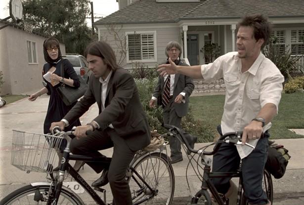 Dustin Hoffman,Jason Schwartzman,Lily Tomlin,Mark Wahlberg