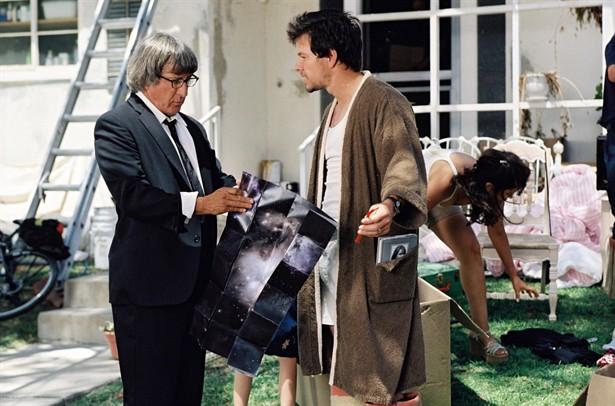 Dustin Hoffman,Mark Wahlberg