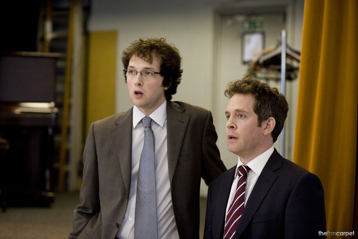 Chris Addison,Tom Hollander