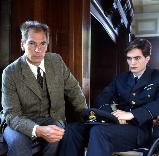 Julian Sands,Robert Pattinson