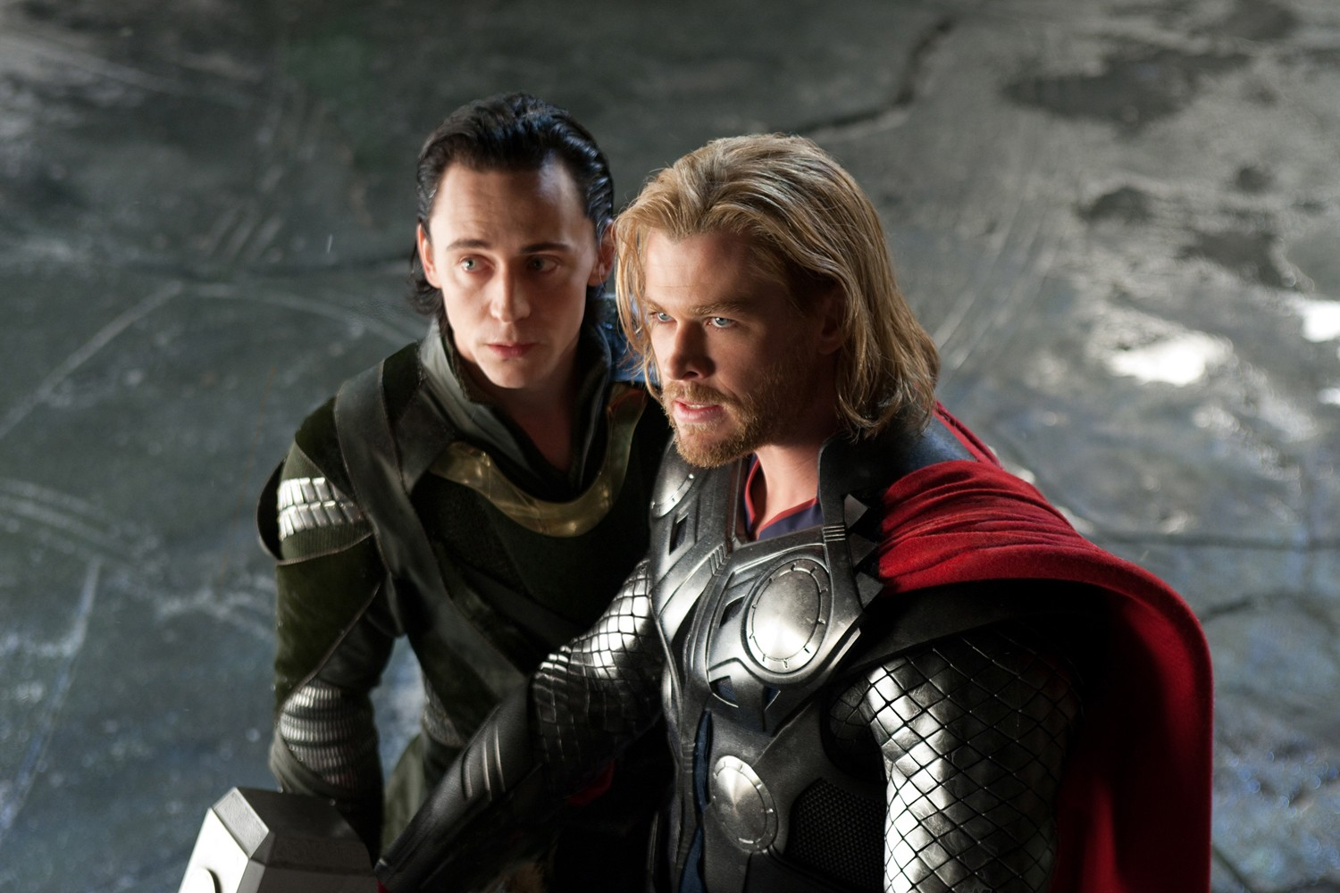 Chris Hemsworth,Tom Hiddleston