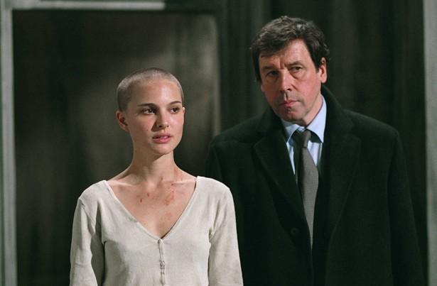 Natalie Portman,Stephen Rea