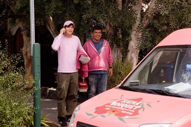 Ashton Kutcher,George Lopez