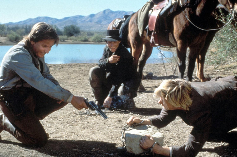 Emilio Estevez,Kiefer Sutherland
