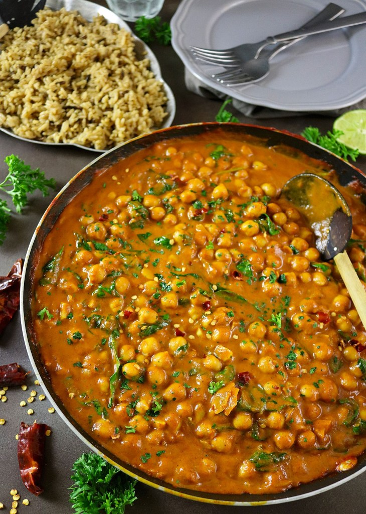 easy-chickpea-spinach-curry-bensbeginners-unclebenspromo
