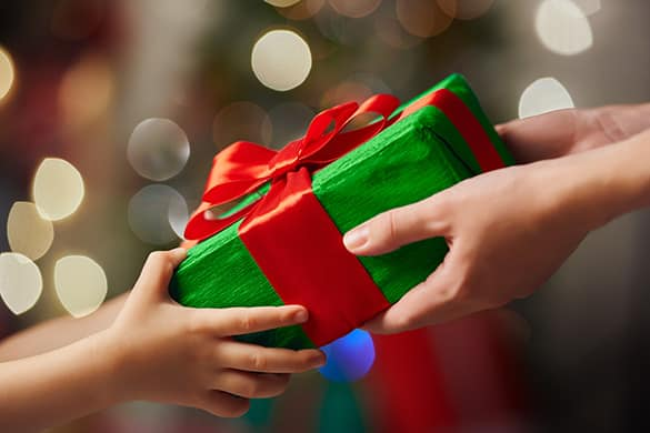 Fascinate Your Elder Sister with Thoughtful Gifts on Her Birthday