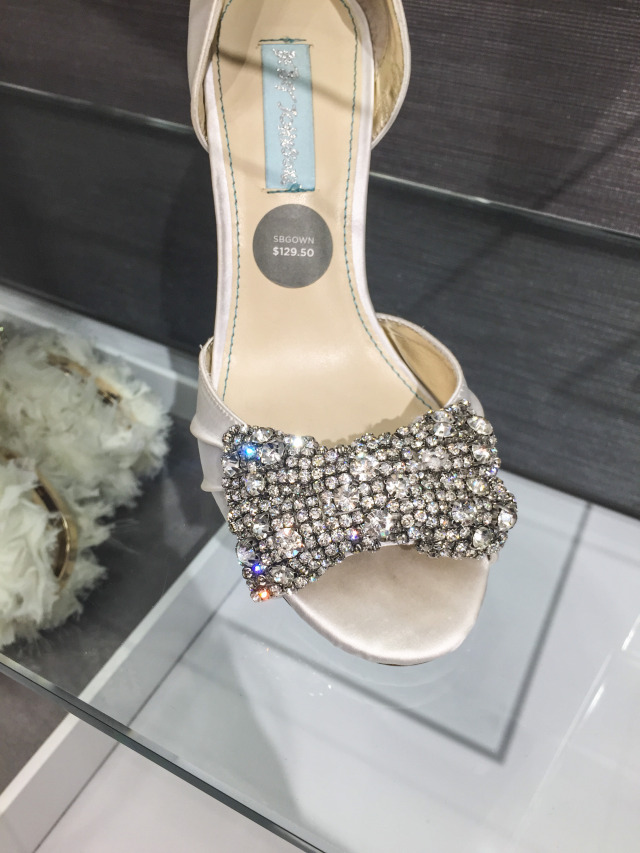 Bridal Shoe with Diamond Bow