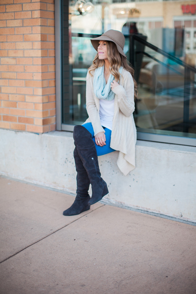 Cable knit Oversized Cardigan and Boots