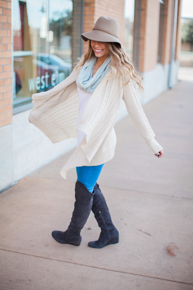 Tan White and Mint Outfit Ideas