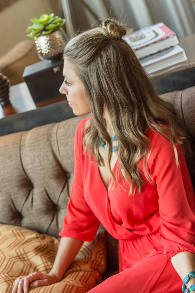 Dallas-Fashion-Hairstyle-Topknot