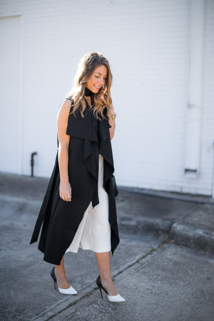 Black-Sleeveless-Trench-Style