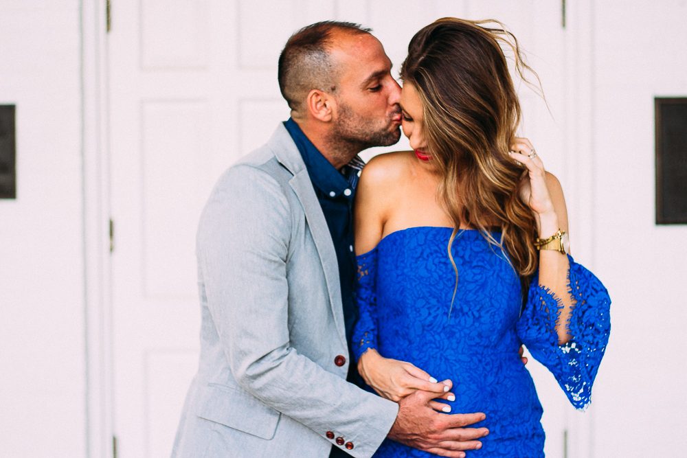 pregnant fashion blogger couple