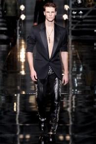versace-men-fall-winter-2014-collection-photos-0048