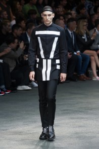Givenchy-2015-Men-Spring-Summer-Paris-Fashion-Week-023