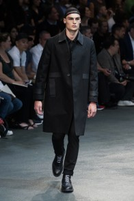 Givenchy-2015-Men-Spring-Summer-Paris-Fashion-Week-028