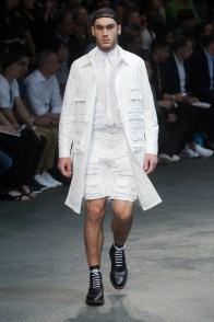 Givenchy-2015-Men-Spring-Summer-Paris-Fashion-Week-035