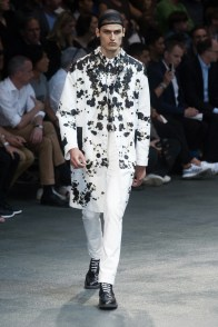 Givenchy-2015-Men-Spring-Summer-Paris-Fashion-Week-043