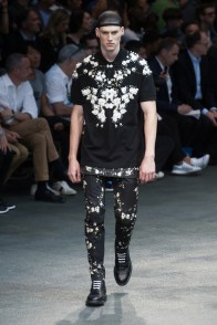 Givenchy-2015-Men-Spring-Summer-Paris-Fashion-Week-048