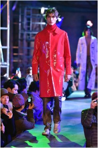Raf-Simons-Fall-Winter-2015-Menswear-Collection-Paris-Fashion-Week-010