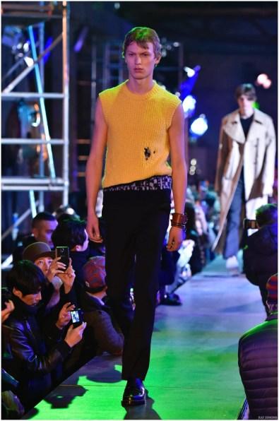 Raf-Simons-Fall-Winter-2015-Menswear-Collection-Paris-Fashion-Week-026