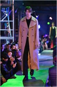 Raf-Simons-Fall-Winter-2015-Menswear-Collection-Paris-Fashion-Week-027