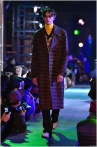 Raf-Simons-Fall-Winter-2015-Menswear-Collection-Paris-Fashion-Week-034
