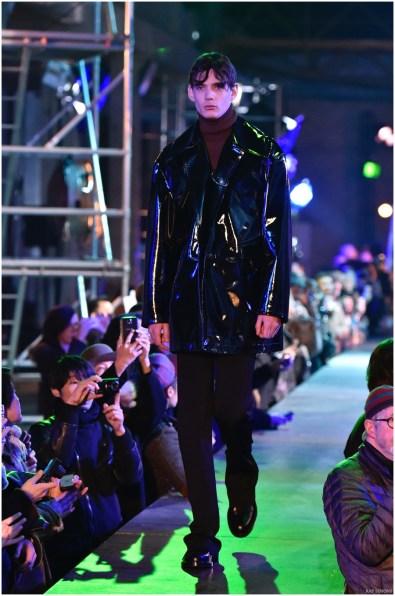 Raf-Simons-Fall-Winter-2015-Menswear-Collection-Paris-Fashion-Week-038