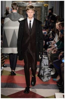 Valentino-Men-Fall-Winter-2015-Menswear-Collection-005