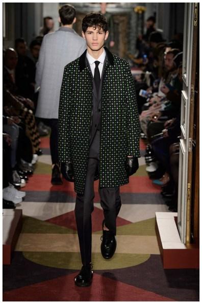 Valentino-Men-Fall-Winter-2015-Menswear-Collection-051