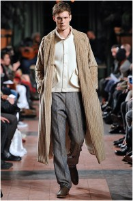 Billy Reid Fall-Winter 2015 Menswear Collection. Designer Billy Reid's collections continue to charm as accessible fashions are infused with smart design details that stand out from the crowd. Enlarging corduroy, Reid turned out a phenomenal coat that was quiet but confident.