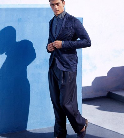 bb9a76dde0ed Giorgio Armani Makes a Case for Relaxed Spring Tailoring
