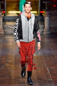 Moschino-2016-Fall-Winter-Mens-Collection-016