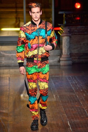 Moschino-2016-Fall-Winter-Mens-Collection-031