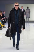 Versace-2016-Fall-Winter-Mens-Collection-027