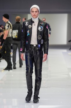 Versace-2016-Fall-Winter-Mens-Collection-035