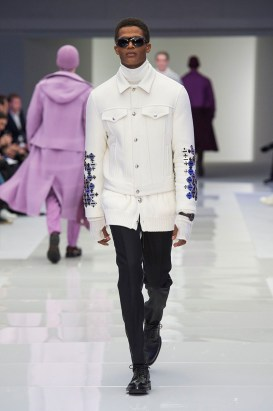 Versace-2016-Fall-Winter-Mens-Collection-050