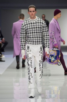 Versace-2016-Fall-Winter-Mens-Collection-051