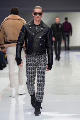 Versace-2016-Fall-Winter-Mens-Collection-052