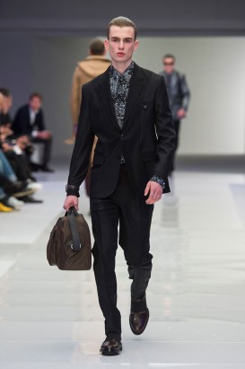 Versace-2016-Fall-Winter-Mens-Collection-054
