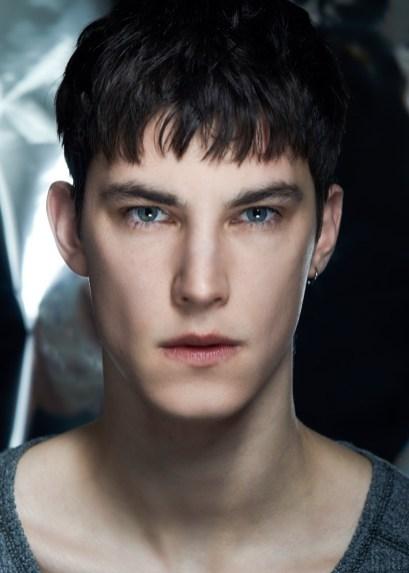 Julian-Weigl-2019-Fashionisto-Exclusive-007