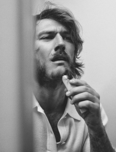 Alex-Pettyfer-2019-Man-About-Town-Editorial-004