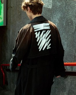 Off-White-Revolve-Man-2019-Exclusive-Collection-009