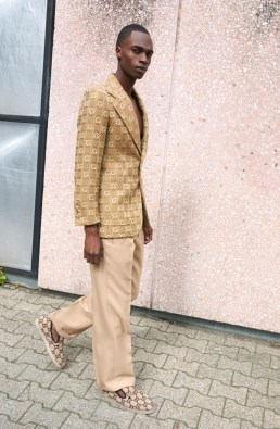 APROPOS-Journal-2019-Brutal-Elegance-Gucci total look