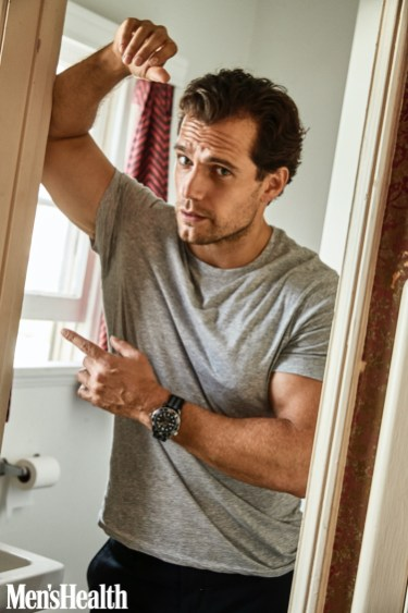 Henry Cavill links up with Men's Health for its December 2019 issue.