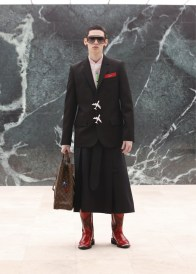 Louis-Vuitton-Fall-Winter-2021-Mens-Collection-010