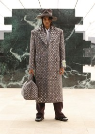 Louis-Vuitton-Fall-Winter-2021-Mens-Collection-042