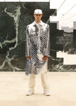 Louis-Vuitton-Fall-Winter-2021-Mens-Collection-045