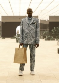 Louis-Vuitton-Fall-Winter-2021-Mens-Collection-055